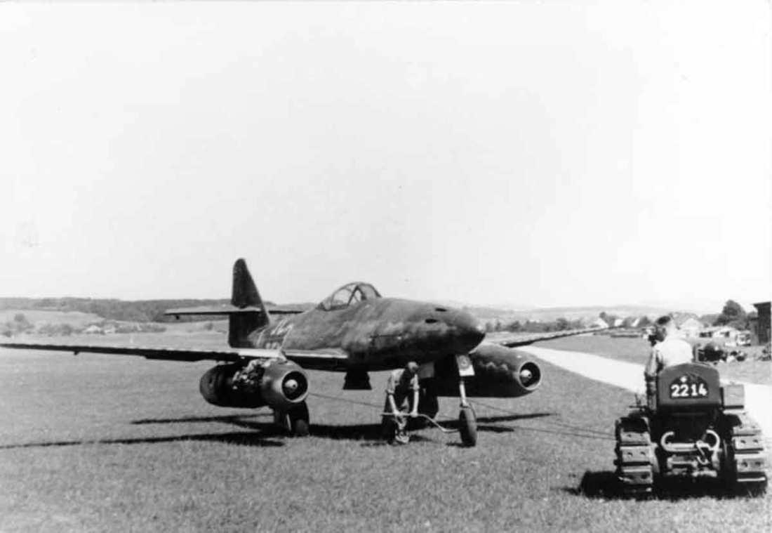 Flugzeug Me 262A auf Flugplatz