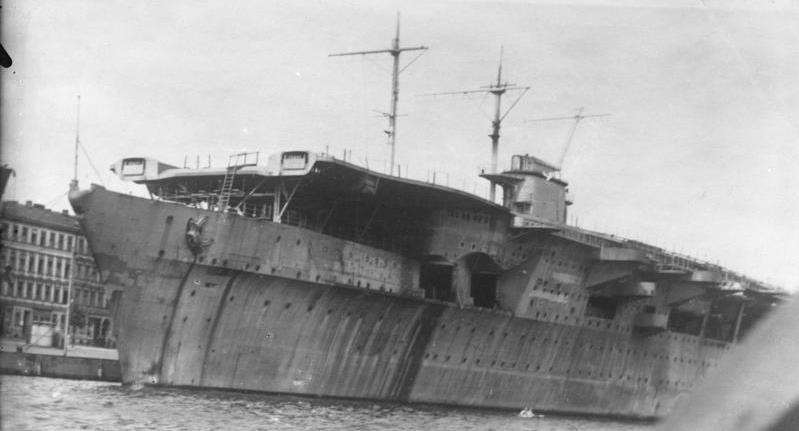 Graf Zeppelin. Flugzeugträger. Stapell.: 8.12.1938 B 676 (R IX E 7845)