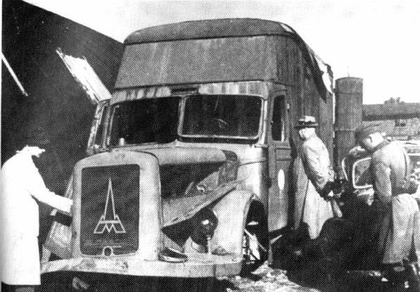 Destroyed_Magirus-Deutz_furniture_transport_van_Kolno_Poland_1945