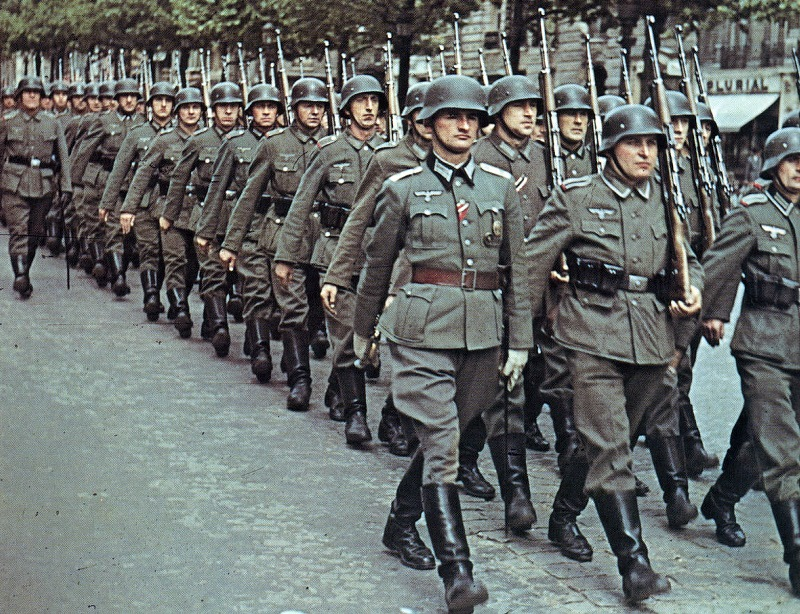 A column of German forces in Paris