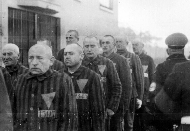 concentration-camp-prisoners-holocaust
