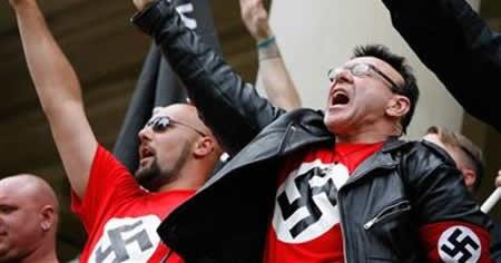 neonazis-saluting450